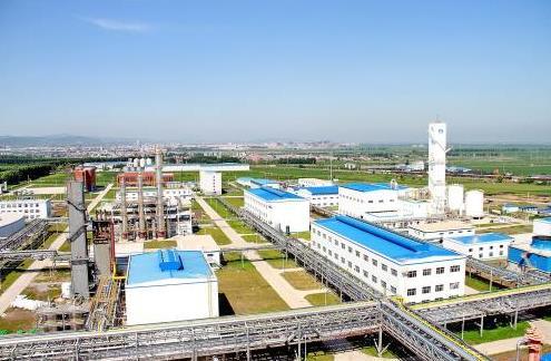 龙煤天泰煤化工项目现场。